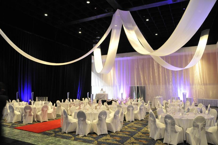 Deal Of The Month 30 Discount On Spandex Chair Covers